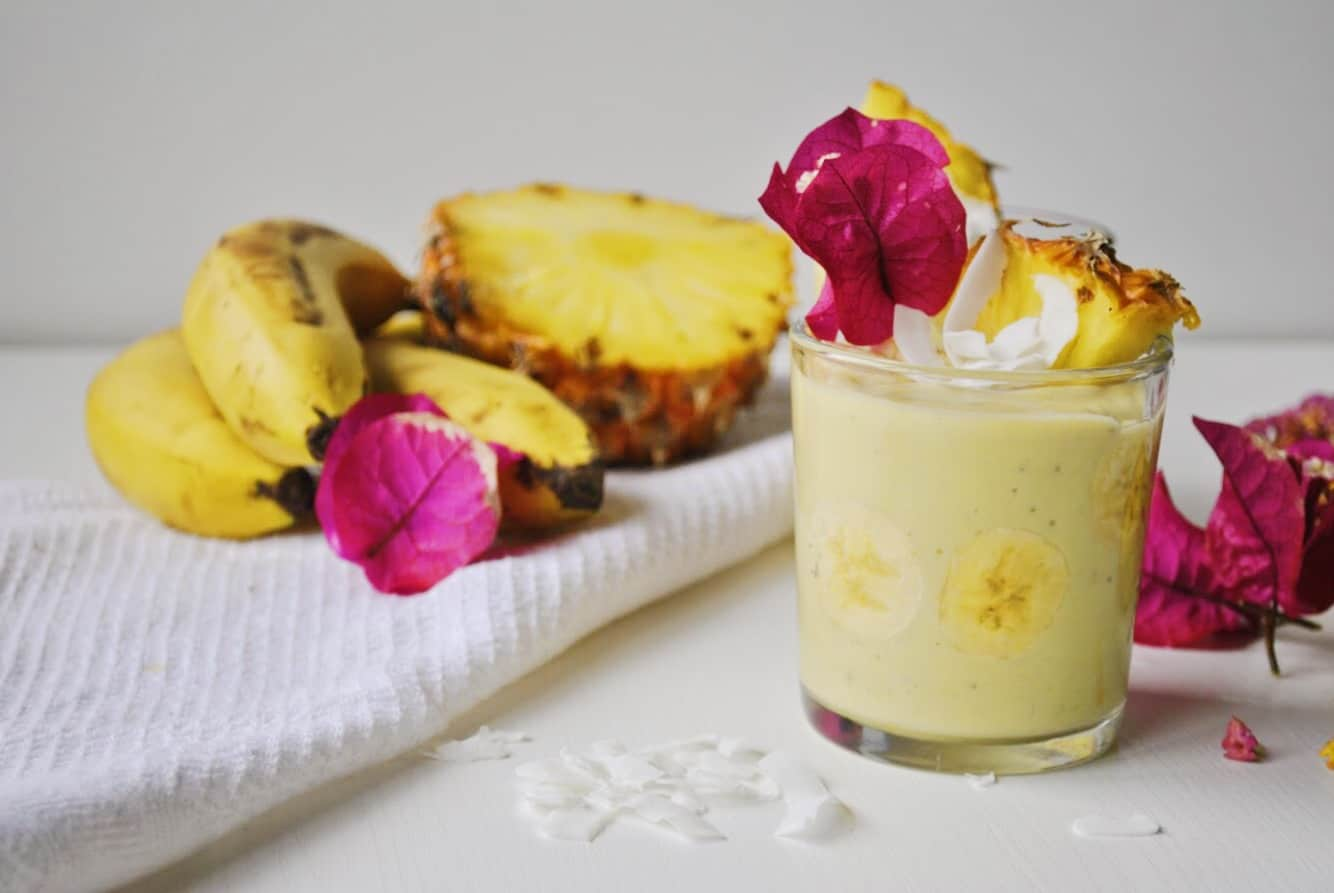 banana pineapple kefir smoothie